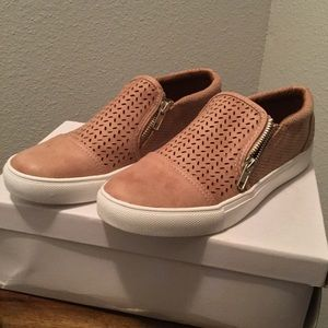 💥BRAND NEW IN BOX💥 perforated slide on